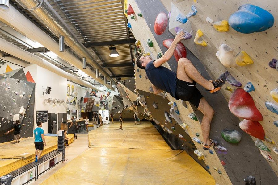 Escalade de blocs : grimper à Marseille